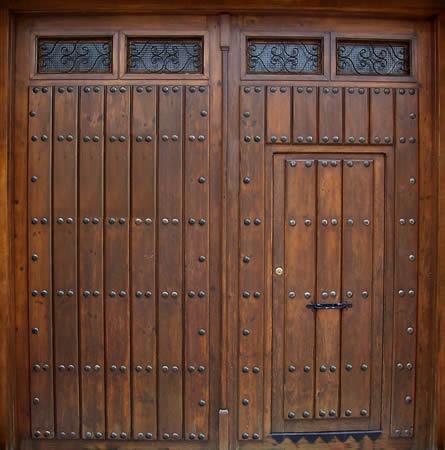 puertas y portones de madera